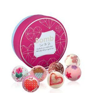 Bomb-Cosmetics-Love-me-do-Geschenkset